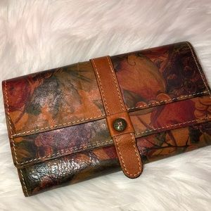 Patricia Nash leather Wallet very good condition